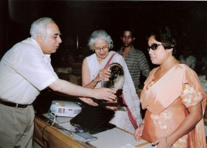 Dr. Sangeeta Agarwal receiving the 3rd Nina Sibal Award from Dr.Kapila Vatsyayan