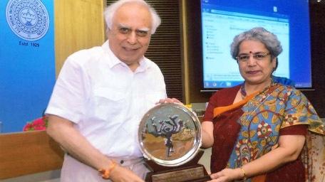 Dr. Anupa Siddhu receiving the 12th Nina Sibal Award from  Shri. Kapil Sibal