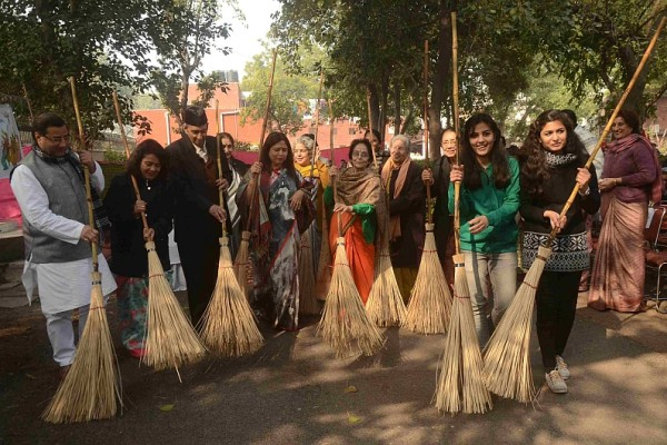 Campaign led by Ms. Meenakshi Lekhi, Member of Parliament