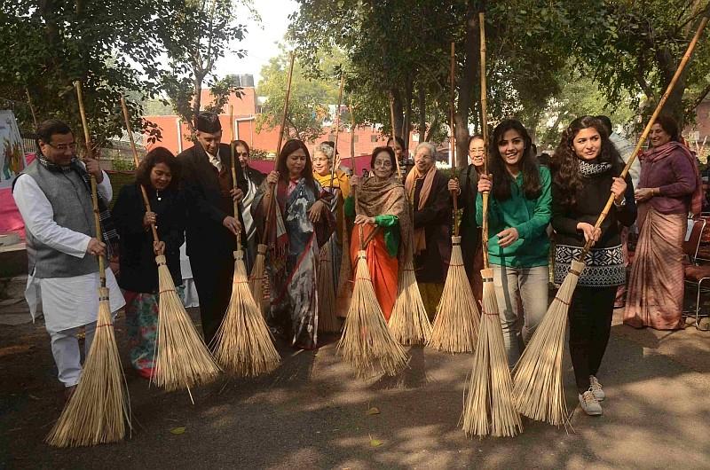 Campaign led by Ms. Meenakshi Lekhi, Member of Parliament