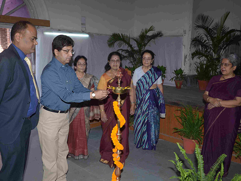"Lamp Lighting at National Seminar on ""Use of Solar & Green Energy for All"" held at LIC in March  2013"
