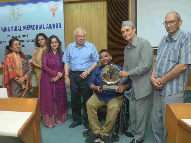Mr. Arman Ali receiving the 14th Nina Sibal Award from Dr. Karan Singh